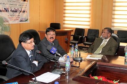 Symposium in Khartoum on Democracy in India